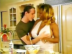 Ebony BBW Gets Warmed Up In The Kitchen