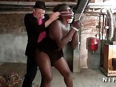 胖乎乎的法国黑婊子连接和鸡奸