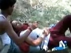 Indian Girl allow to have fun her lover with her Boobs in a Park