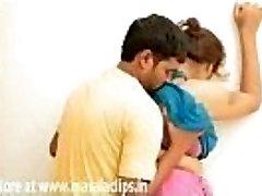 Siripriya Aunty Steaming Delight in Bra Video
