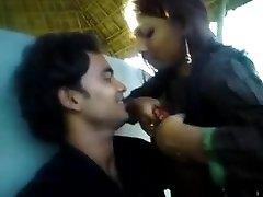 Teen Couple Outdoor Fun GF giving her boobs to BF