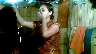 Magnificent Desi Bhabhi Goes Nude First Shy to Show