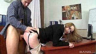 Fuckfest-appeal sweetie Kandall N takes cumshots on her beautiful pussy