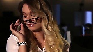 Babes - Office Obsession - Natalia Starr, Boulder-holder
