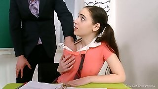Charming college girl seduces her instructor on the extra class
