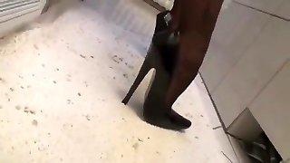 tights and heel 2