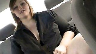Big brunette drains in her car