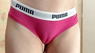 Sext cubby cameltoe pussy in taut undies