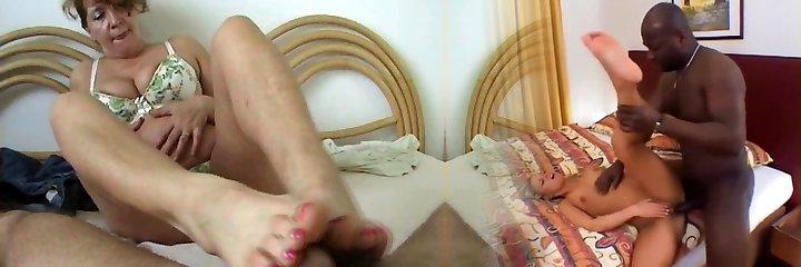 mature slut make a footjob
