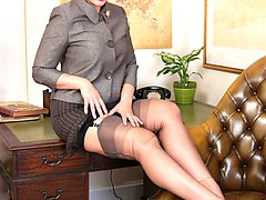 Come and join Beth for some expert masturbation instruction clad in sheer grey FF nylons...