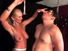 Demanding dominatrix show her slave the ins and outs