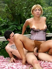 Hirsute hottie Thais and her fuckbuddy go for outdoor fucking in this raunchy hairy porn