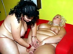 Chubby chicks Melinda Shy and Rosa got bored so they engaged in pussy slurping in this kinky BBW...