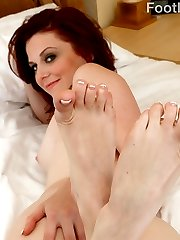 Emma is ready to give her man a footjob like he has never had. She strokes is hard cock back and forth with her prefect feet before letting him fill her pussy with his huge cock. When he\'s finally ready to blow his load, she begs him to cum all over her pretty toes.