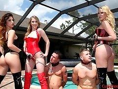 Vanessa, Alexa Rydell leash slaves