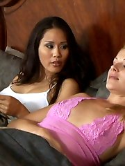 Hot lesbian sex with Jessica Bangkok and Samantha Ryan