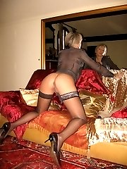 Russian MILF in stockings gallery