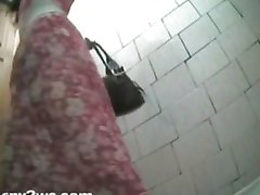 Female toilet spy camera 03.