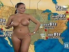Nasty plumper shows whats hidden between her hips