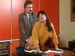 L'INITIATION D'UNE FEMME MARIEE 1983