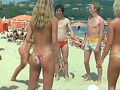 Les branchés à Saint-Tropez - 1983 - nude scenes.mp4