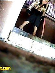 Hot voyeur photos from dirty ladies� loo in park