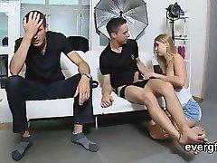 Skint guy allows wacky friend to poke his girlfriend for buc