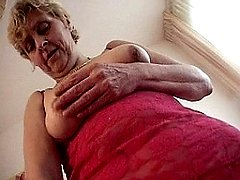 This horny granny loves to play with her pussy