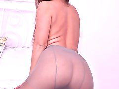 Gorgeous Amirah shows of more than her fine figure here as she has on super sexy toe less pantyhose!