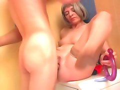 MILF pussy banging in the shower