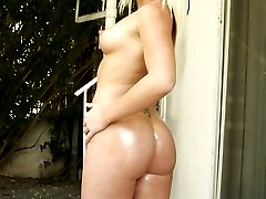 hot white slut with a huge butt