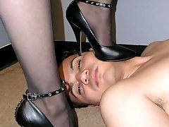 Black pumps trampling