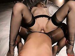 girl4girl having sex in front of mirror