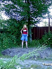 Chubby teen peeing outdoor