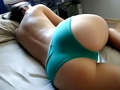 Teen green panty gets recorded in close up pics