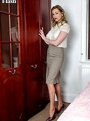 Holly returns home parading in her vintage girdle and fancy heel ff nylons!