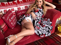 Yasmine brings some festive, girdle fun to your day, and what a sexy pair of fully fashioned...