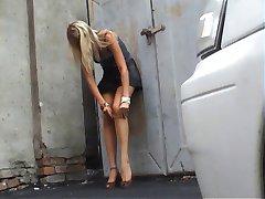 public pantyhose puting