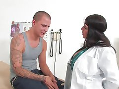 Woman doctor who fucks patient