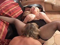 bbw blonde lesbians eating her pussy
