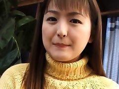 Young Yuki Amagi plasy with her ceamy twat