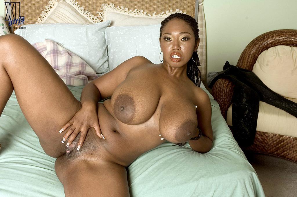 Black and beautiful pussy Big Beautiful Ebony Babe Rubs Pussy