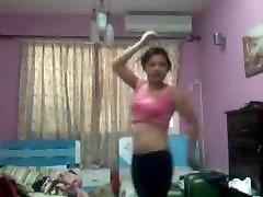 my girlfriend nude dance