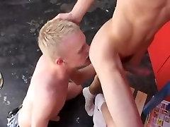 Cute Blonde Gay escort Provides Best Service