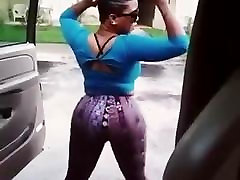 Pullover and shake dat sexy ass outside the car