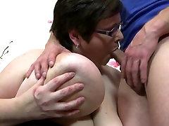 Mature BBW sex bomb seduces young stud