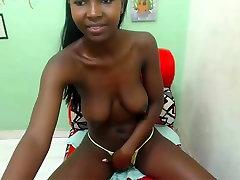 Convulsing tremor orgasm ebony black cam girl has fun