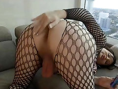 Ladyboy Wendy Williams offering her ass