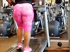 Amazing Asian Nutbooty On Treadmill