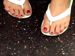 Mature Feet In Flip Flops Cute Toenails